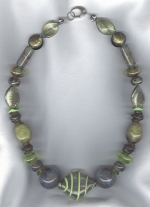 Olive/lime Venetian glass necklace from Murano VEN4286